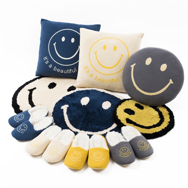 SMILE MAT/ROOMSHOES/CUSHION